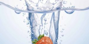 Water detox - Homemade Strawberry Multivitamin Water